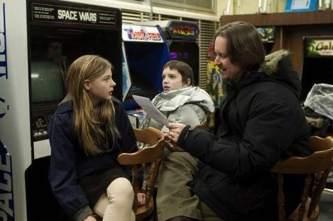 Matthew Reeves with Chloe Moretz and Kodi Smit-McPhee on the set of Let Me In
