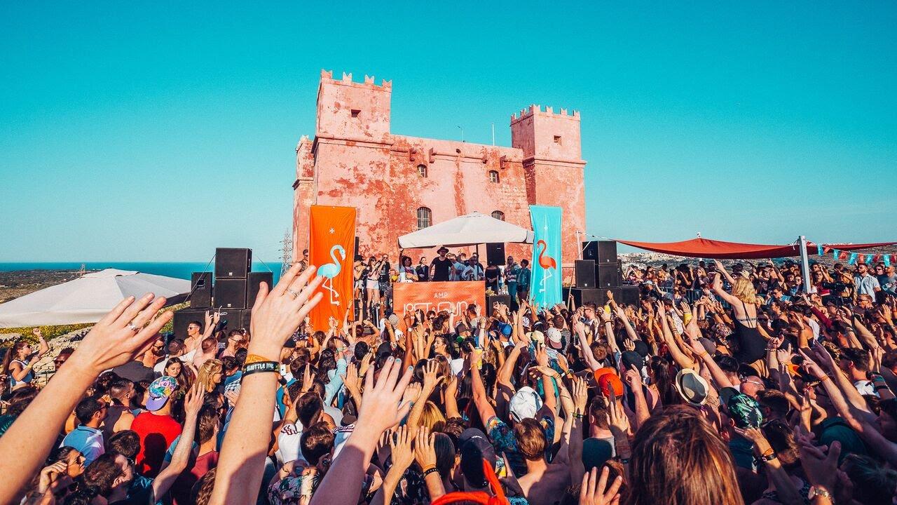 Annie Mac Castle Rave
