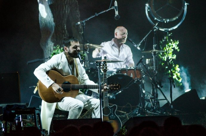 Biffy Clyro Uplugged