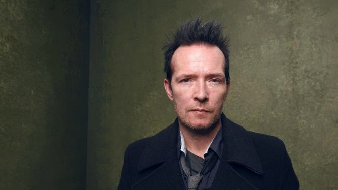 Former front man of Stone Temple Pilots, Scott Weiland found dead on tour bus