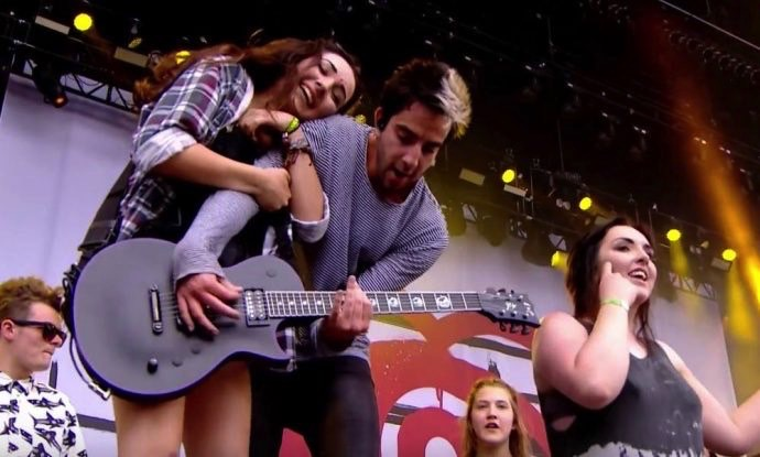 all time low fans on stage